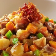 Fujian Fried Rice - Conpoy Mushrooms Pork Assorted Vegetables and Egg in thick sauce - Tsim Sha Tsui