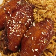 Swiss Sauce Chicken Wings - 4pcs - with Tossed Instant Noodles - Tsim Sha Tsui